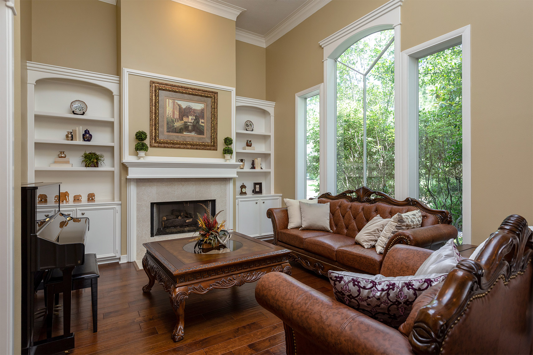 Formal-living-room-with-custom-built-cabinets