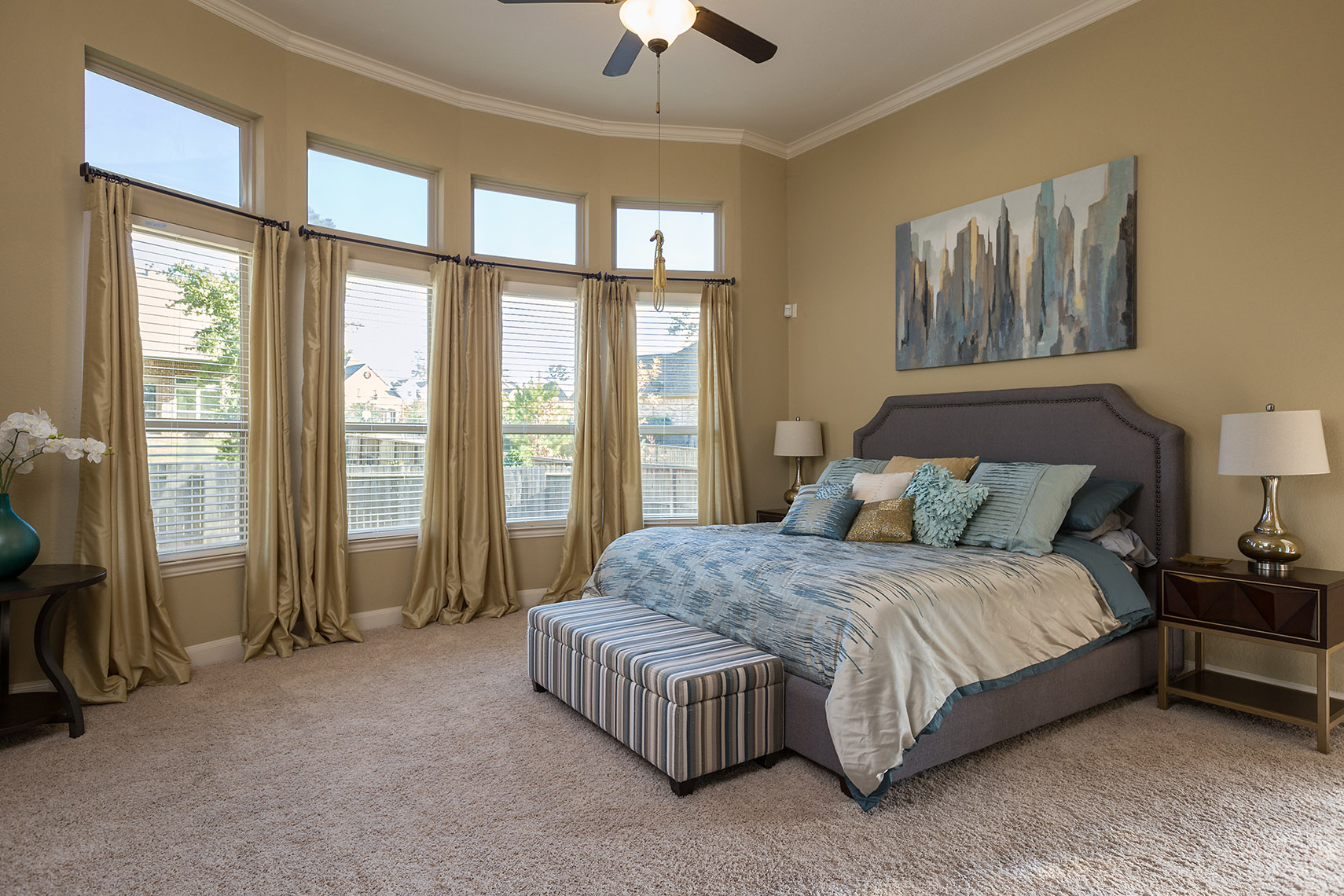 Luxurious-guest-bedroom-Conroe-real-estate-photography