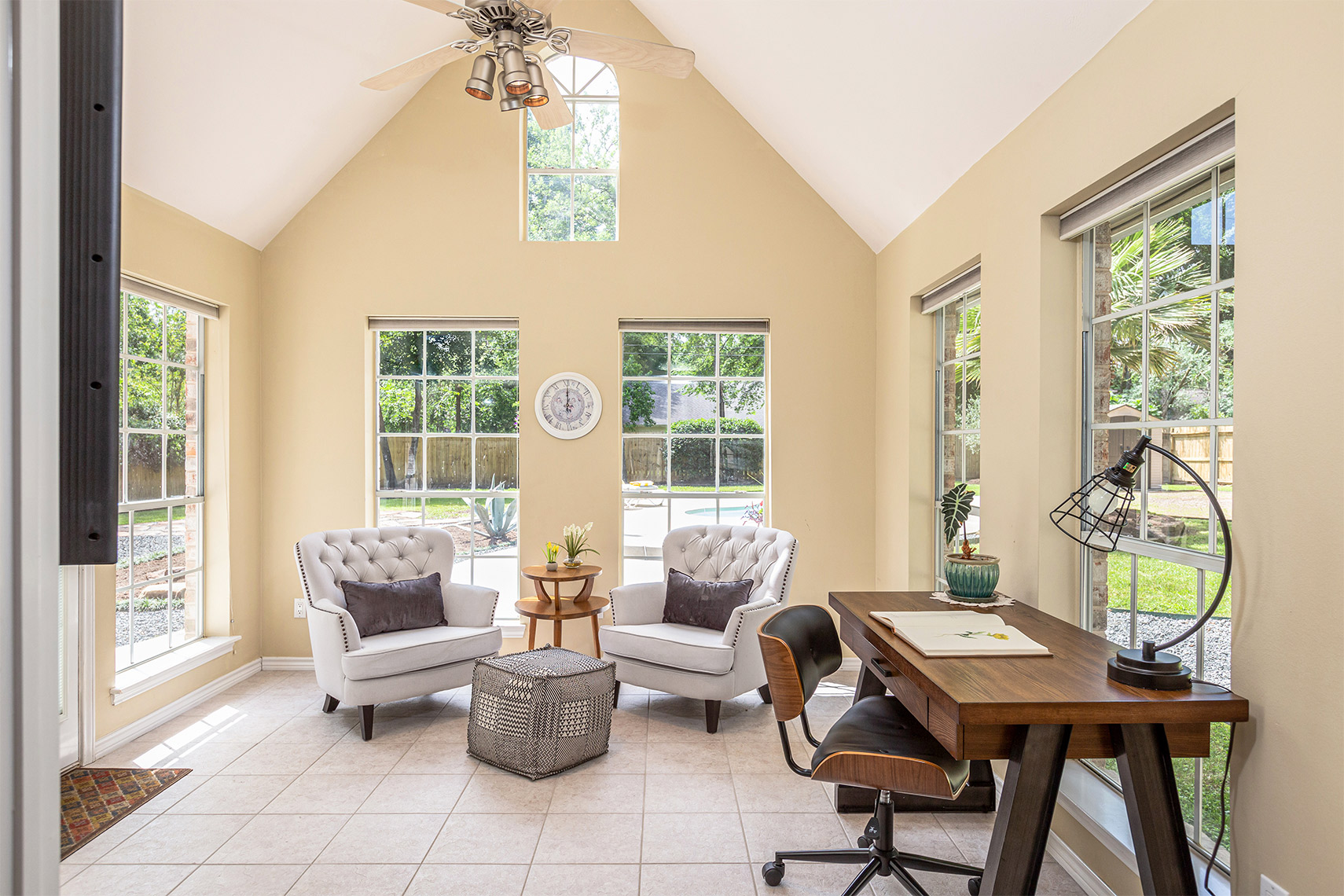 Beautiful-sunroom-in-a-country-style-home-Conroe-TX
